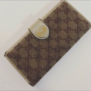 Gucci wallet- Used Condition- 💯